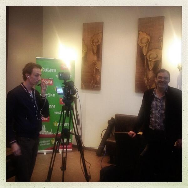 En direct sur @BFMTV : studio improvisé au Couleur Café de Villeurbanne http://t.co/gIY4yI6t6b