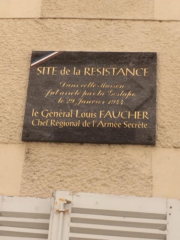 À St-Maixent le Général Faucher, chef régional de l'armée secrète, a été arrêté par la Gesta..