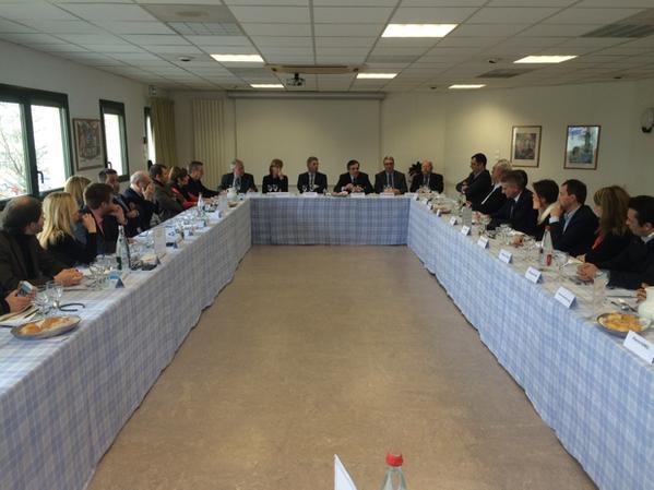 Déjeuner avec les candidats d'union de la droite et du centre du Sud-Isère. Nous comptons bi..
