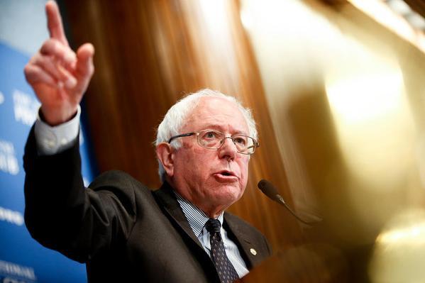 2016 NEWS Hillary ne sera pas la seule democrate !Demain Bernie Sanders senateur du Vermont annonc..