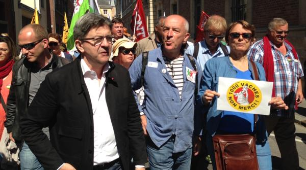Manifestation de soutien aux 9 d'Amiens et contre le projet de ferme des #1000vaches. http:/..