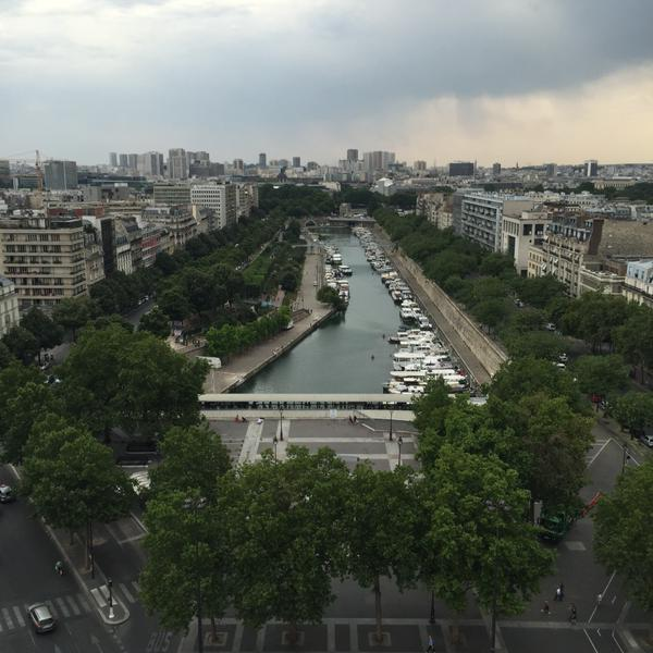 Paris inédit : depuis le haut de la colonne de la #Bastille http://t.co/e9XLQyNyVz