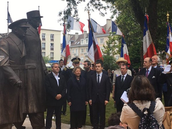 Inauguration de la statue Winston Churchill – Charles De Gaulle à #Calais. https://t.co/jsqM..